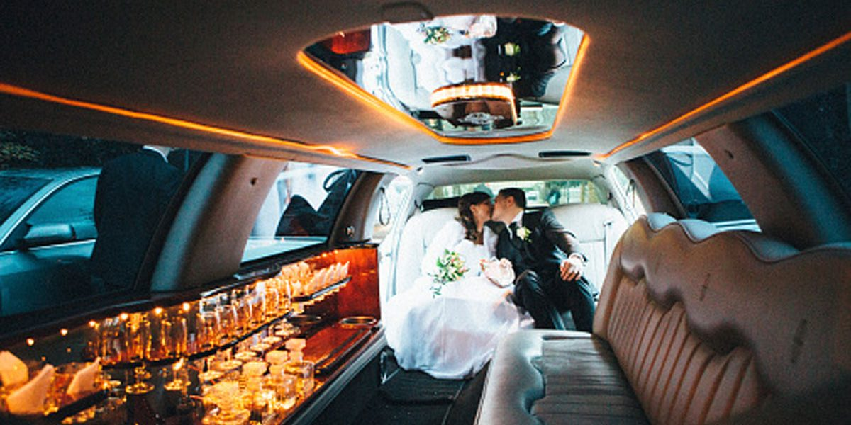 Why You Should Pick Limo Service for Your Wedding
